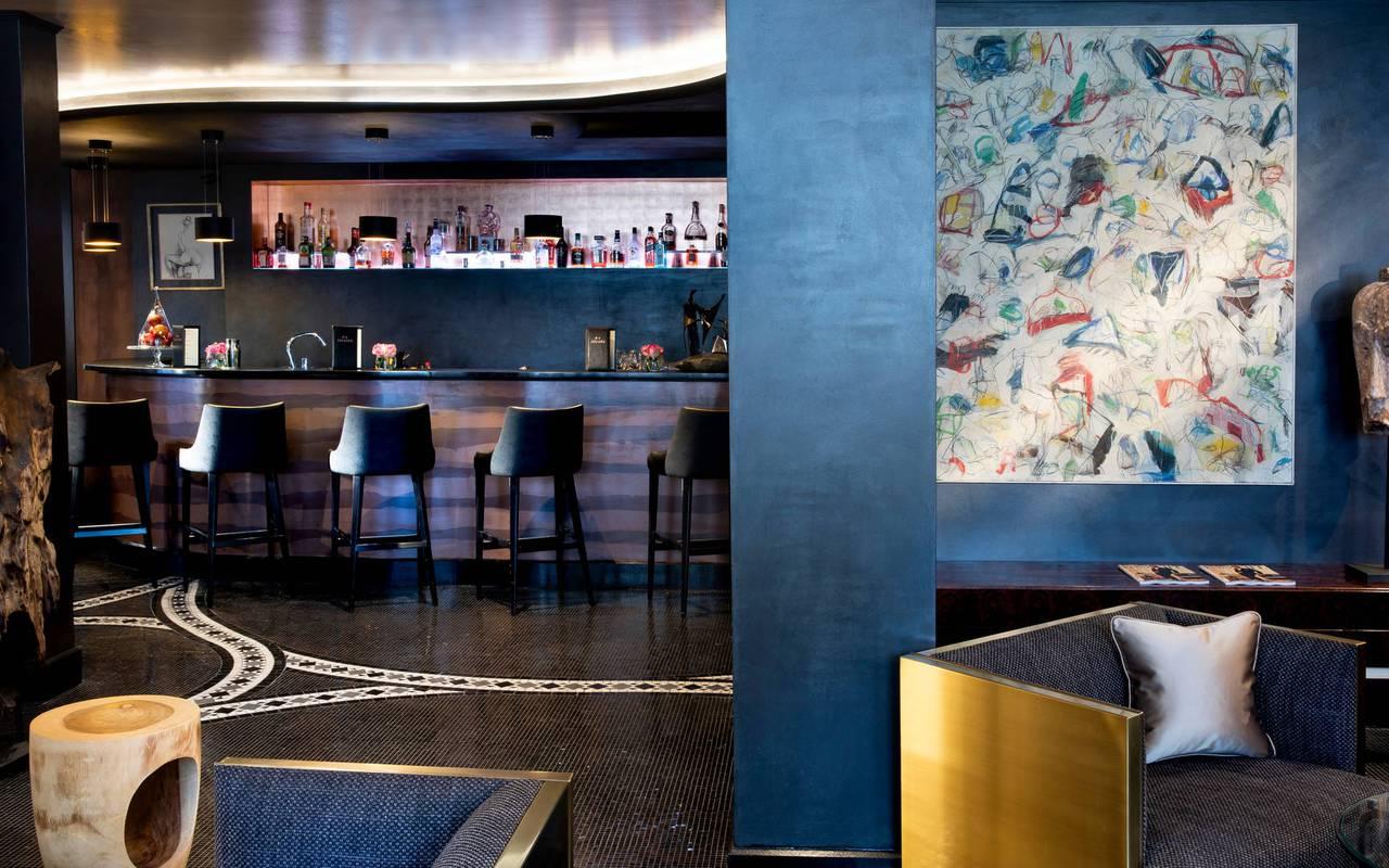 Bar et espace salon très cosy, hotel vue sur la tour eiffel, Juliana Hotel Paris.