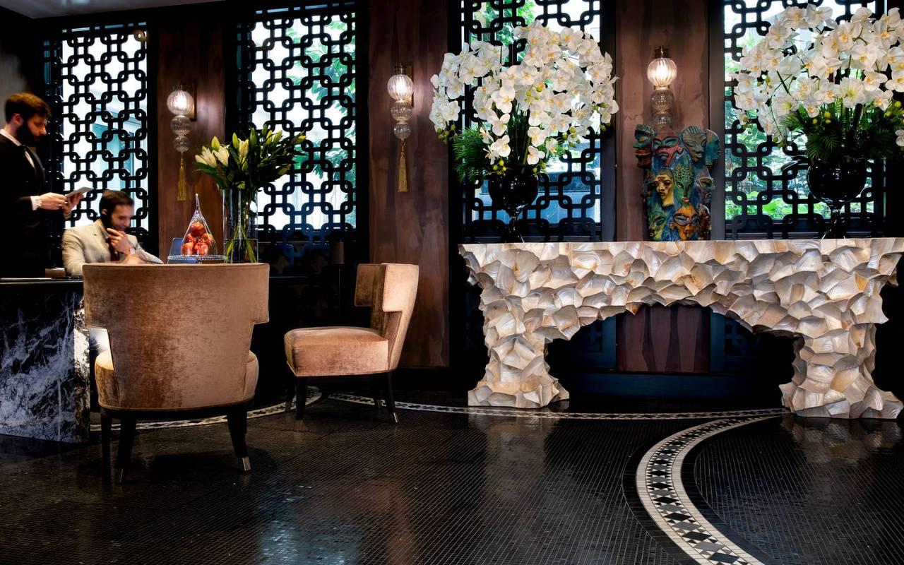 Hall cosy et moderne, hotel vue sur la tour eiffel, Juliana Hotel Paris.