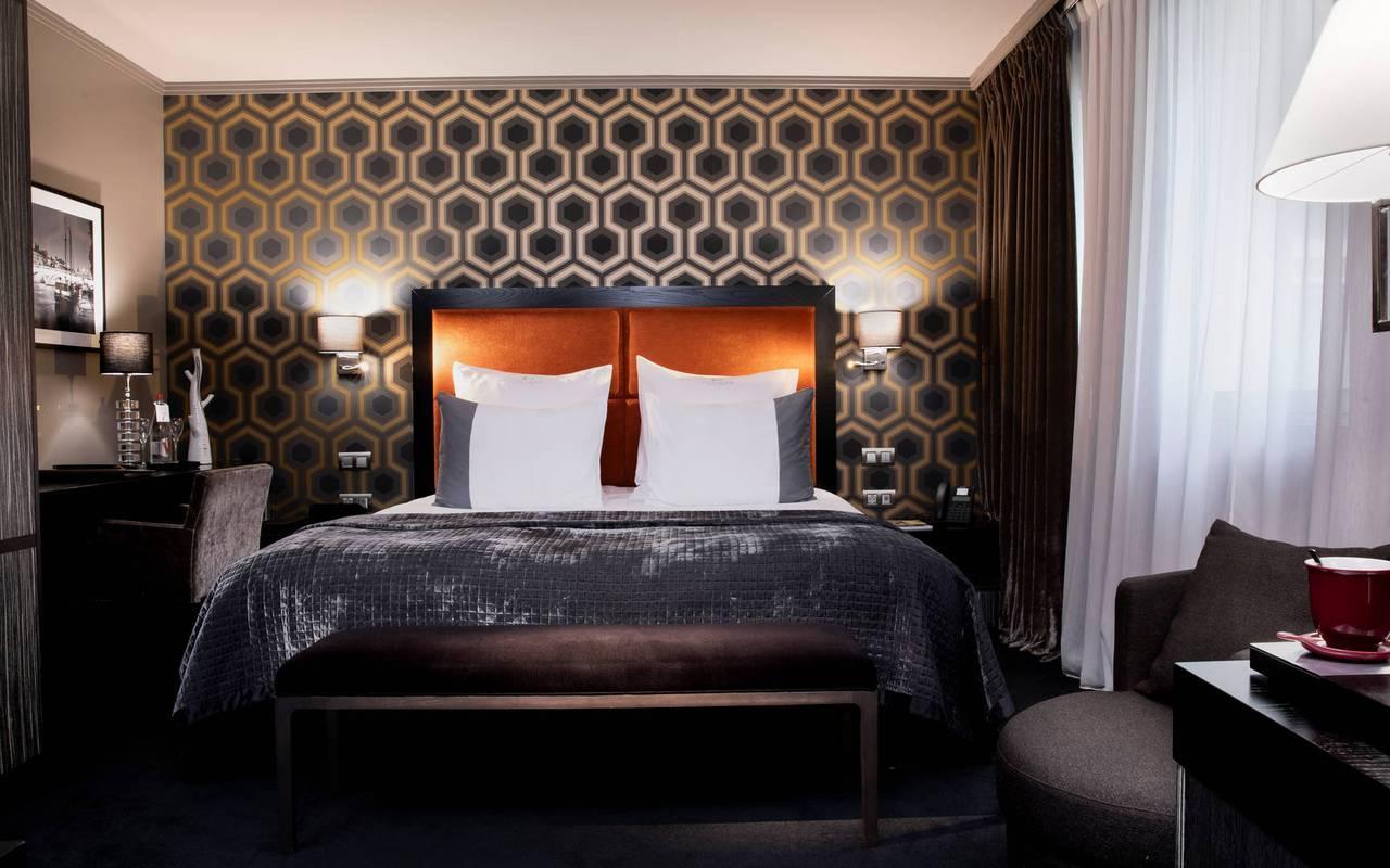 Chambre Deluxe élégante, hôtel de luxe Paris 5 étoiles, Juliana hôtel Paris