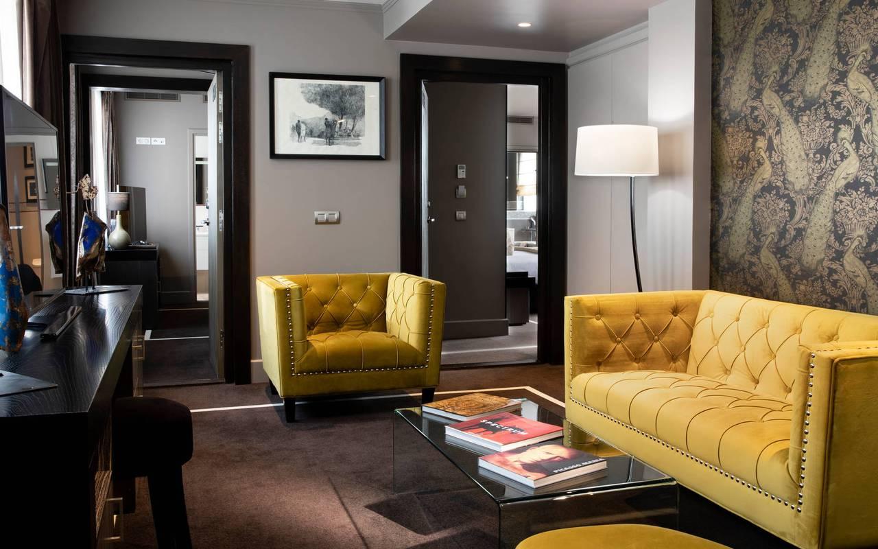 Suite Juliana avec grand coin salon, hôtel de luxe Paris 5 étoiles, Juliana hôtel Paris