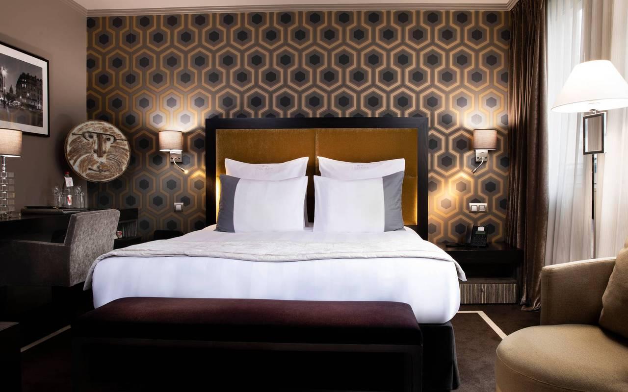 Chambre Supérieure à la décoration élégante, hôtel de luxe Paris 5 étoiles, Juliana hôtel Paris