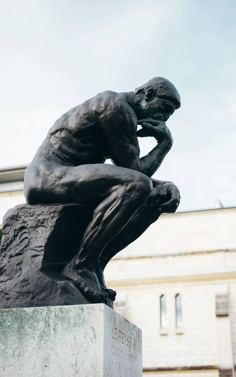 Le penseur au musée Rodin, hotel proche tour eiffel, Juliana Hotel Paris.